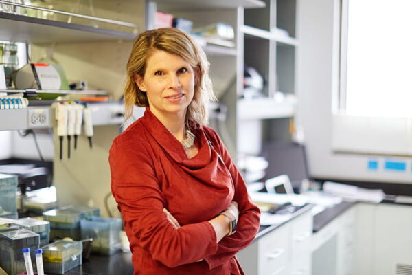 Valeria Cavalli receives an R35 award from the NIH